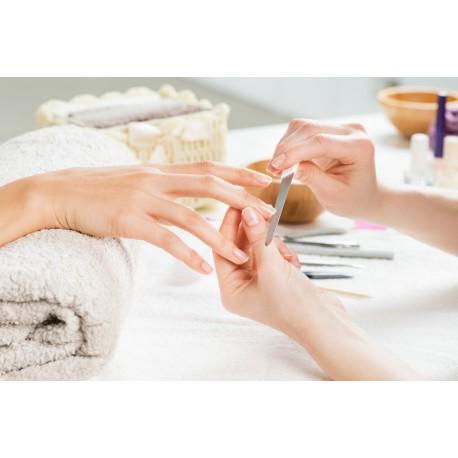Manucure brésilienne femme