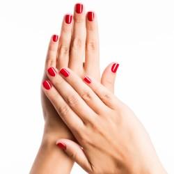 Remplissage après pose de vernis permanent sur ongles naturels