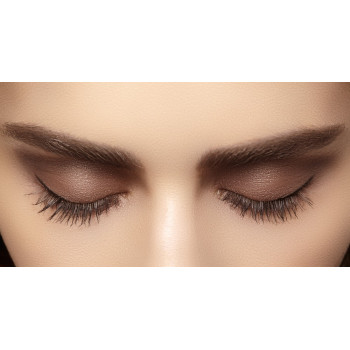Maquillage permanent eye liner inférieur ou supérieur