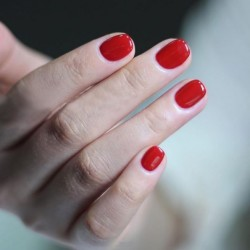 Pose de vernis semi-permanent des mains