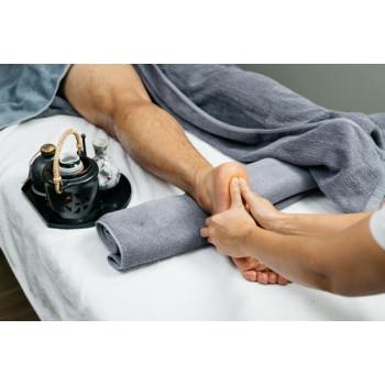 Beauté des pieds Thaï, traitement de la voûte plantaire, soin des ongles et massage des pieds !