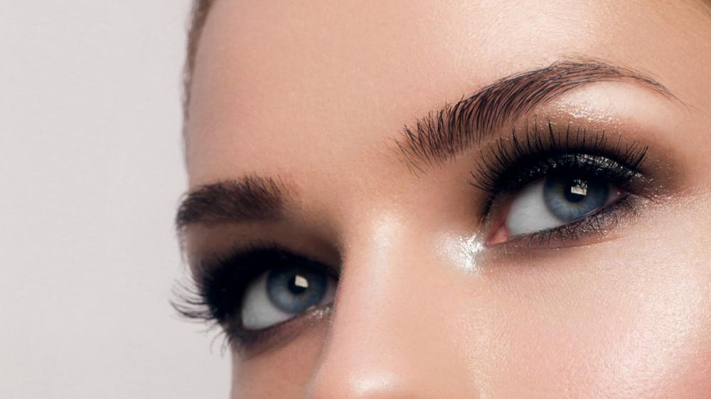 extension des sourcils