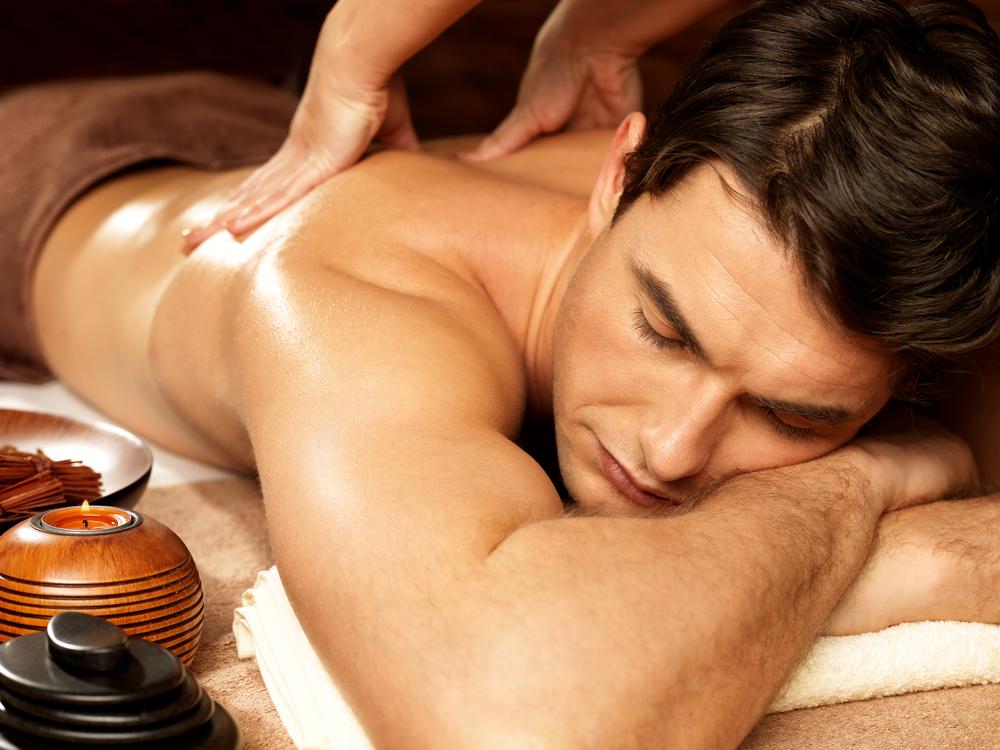 massage aux huiles homme
